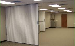Accordion Room Dividers by Ideas To Divide A Room For Sale Forbes Ave Suites