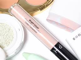 right now color correcting makeup