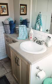 How To Store Towels In A Small Bathroom How To Decorate A Bathroom Without Clutter