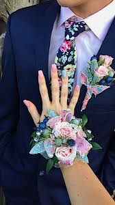 Corsages For Homecoming Best 25 Corsage And Boutonniere Ideas On Pinterest White