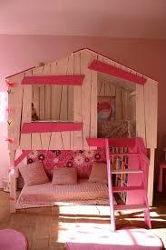 cabane fille chambre déco chambre fille lit cabane 79 21091413 inoui