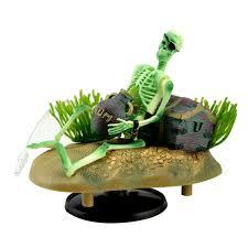 simulated pet aquarium ornaments fish tank pirate skeletons