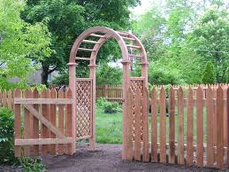 fascinating arch which is made of wood and placed at garden as