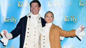 partners halloween costumes kelly ripa couldn u0027t decide on one halloween costume so she wore