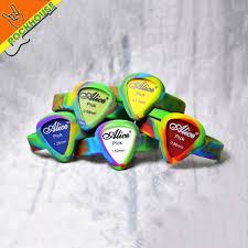 2017 new guitar picks bracelet 12pcs wholesale picks wrist