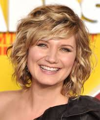 hairstyles for wavy hair low maintenance hairstyles for short curly coarse hair easy short curly celebrity