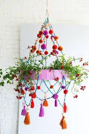 Diy Hanging Planters by Best 25 Chandelier Planter Ideas On Pinterest Diy Garden