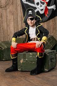 captain kangaroo halloween costume amazon com kids boys regal pirate halloween costume buccaneer