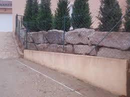 bloc de pierre pour mur enrochements pour retenir la terre dulac paysagiste saint
