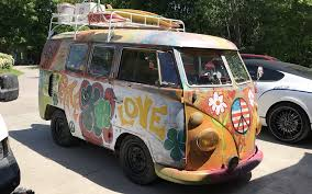 1966 volkswagen microbus for short hippies 1966 volkswagen bus http barnfinds com