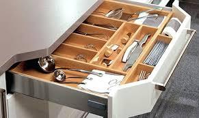 rangement ustensiles cuisine rangement ustensile cuisine des rangements astucieux idee rangement