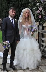 Celebrity Wedding Dresses Top 5 Worst Celebrity Wedding Dresses Of All Time