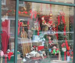 Decoration For Christmas Windows by 126 Best Christmas Window Display Ideas For Mom And Dad U0027s Shops