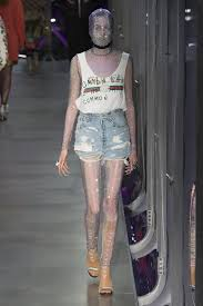 lorde dons dior and daisy dukes in elle daily mail online