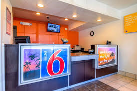 Motel 6 We Ll Leave The Light On For You Motel 6 Pomona Ca 2470 Soth Garey 91768