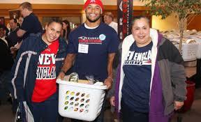 patriots distribute thanksgiving dinner baskets new patriots