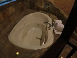 Jet Tub Jesse James Lives On At The Chateau Avalon The Walking Tourists