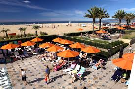 how to woo the reluctant tourist in low season santa monica at a