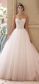 vera wang robe de mari e 10 robes de mariéee au décolleté très flatteur robes coeur d