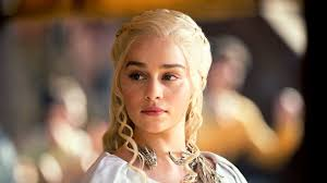 who is the blonde in the game of heroes commercial emilia clarke goes blonde like game of thrones daenerys