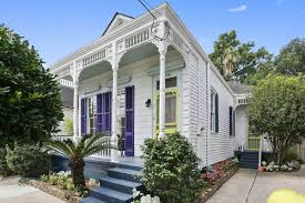 you can buy this airy victorian home in black pearl for 465k