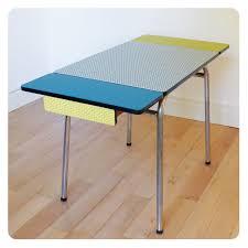 relooker table de cuisine table formica mobilier vintage revisité tout en couleur meubles