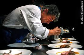 dressage des assiettes en cuisine chefs et designers l entente cordiale