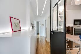 cuisine couloir cuisine ouverte sur le couloir grâce à une verrière d intérieur