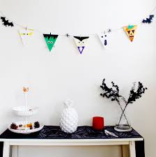 halloween flags 25 halloween party decor ideas