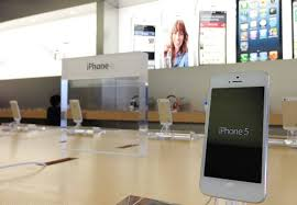Electronic Stores Near Me Apple Piloting Iphone Trade In Program In Retail Stores For