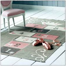 grand tapis chambre enfant tapis enfant lavable awesome grand tapis chambre fille 100 images