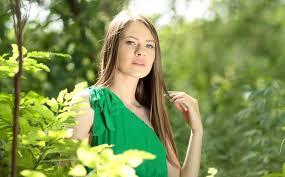 Frisur Lange Haare Kleid by Kostenlose Foto Natur Wald Person Mädchen Frau Haar Rasen