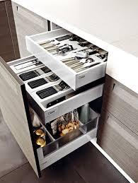 tiroirs cuisine idée relooking cuisine tiroir à l anglaise doté de 2 tiroirs