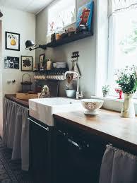 cuisine dans maison ancienne notre maison des ées 30 la cuisine avant après et ses carreaux