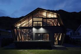Glass Front House Wood And Glass House With Ocean And Mountains For Neighbors