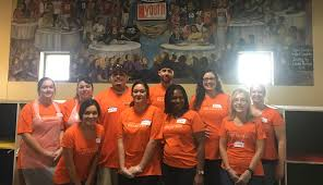 u haul team members help feed homeless at st vincent de paulmy u u haul team members help feed homeless at st vincent de paulmy u haul story