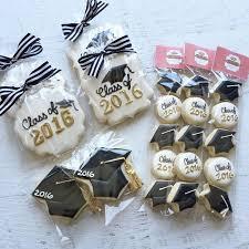 graduation favors to make best 25 graduation cookies ideas on graduation cakes