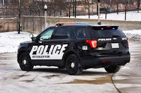 jeep police package 2016 ford police interceptor utility barrels into chicago