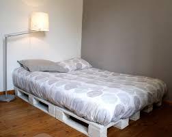 canapé lit palette un cadre de lit à base de palettes mademoiselle je sais tout