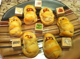 Halloween Appetizers With Pictures Mummy Dogs Halloween Treats Youtube