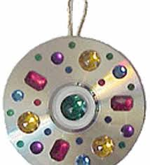 easy diy cd ornament ornament therapy and catcher