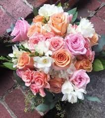wedding flowers knoxville tn gorgeous free flowing bridal bouquet with roses peonies