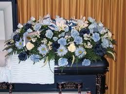 how to make a casket spray sympathy by glenda delivery kentwood la glenda s flowers gifts