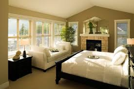 Two Tone Walls Dark On Top Or Bottom Fascinating Best Bedroom - Best color for bedroom feng shui