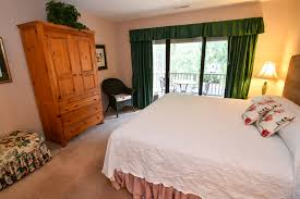 room suites chincoteague virginia refuge inn suite bedroom