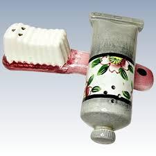 novelty salt and pepper shakers vintage novelty salt and pepper shaker set toothbrush and