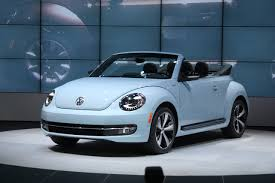 bug volkswagen 2017 2013 volkswagen beetle convertible photos specs news radka car