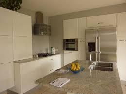 cuisine blanche brillante meuble de cuisine blanc brillant les meubles prennent de la