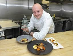 chef of cuisine servest s rhys richardson named blue arrow chef of the year 2015