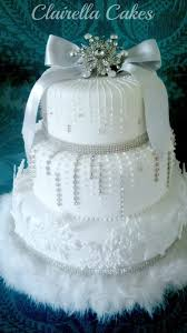 Christmas Cake Decorations Made From Icing by Best 25 Christmas Wedding Cakes Ideas On Pinterest Winter